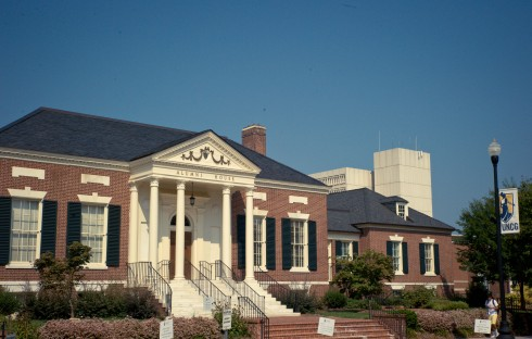 Alumni House_Faculty Senate_News