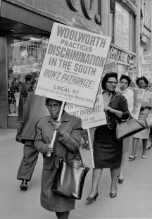 opinions-antoniorivera_people-picket-against-the-woolworths-company_kheel-center_10-4-10_flickr-1