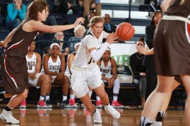 Sports_BryanDavis_WomensBasketball_UNCGAthletics