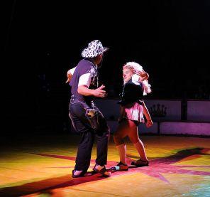 A&E, 823, Idiot Box Competition, Annalee Glatus, Photo Credit- Aaron Sneddon