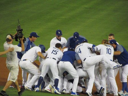 Sports_DanJohnson_WorldSeries_DinurFlickr