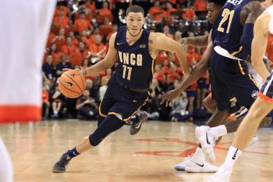 Sports_AndrewJames_Basketball_CarlosMoralesUNCGAthletics