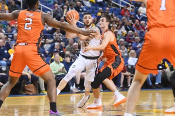 NCAA BASKETBALL:  JAN 20 Mercer at UNC Greensboro