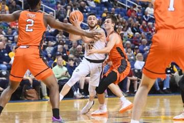 NCAA BASKETBALL:  JAN 20 Mercer at UNC Greensboro
