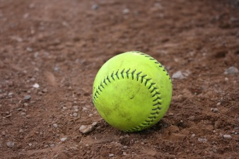 softball_pixabay.jpg